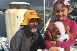 Un neozelandés y su hija llegan a Australia tras un mes a la deriva en el mar