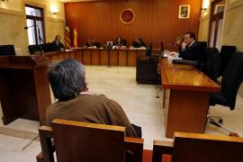 El acusado de intentar matar a su mujer en Son Ferrer acepta cuatro años de cárcel