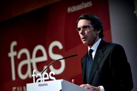 Aznar dice que seguirá trabajando por España pero desde FAES