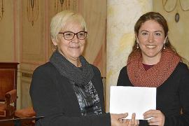 Neus Nadal gana el VIII Premio Llorenç Moyà de Obras Dramáticas