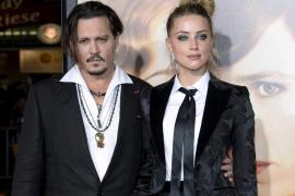 Los actores Johnny Depp y Amber Heard, oficialmente divorciados