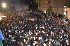 La plaça de la Concòrdia de Manacor arde de fiesta y sentimiento