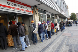 El Govern ayudará a los parados a encontrar trabajo pero no asumirá los 426 euros del PRODI