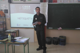 La Policía Nacional imparte en Baleares charlas en colegios para usar Internet con seguridad