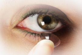 Sanidad retira del mercado un líquido de limpieza para lentillas