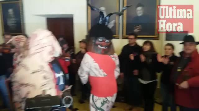 Manacor estalla con la máxima devoción hacia Sant Antoni