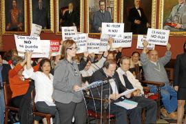 Los palmesanos, indignados, piden a Cort que no suba el IBI en 2012