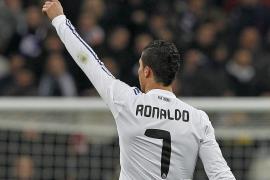 Cristiano Ronaldo aleja al Madrid de la angustia