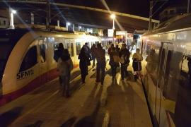 Los servicios mínimos de SFM provocan el caos en la estación de Inca