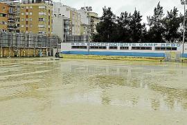 El temporal obliga a suspender cerca de 300 partidos de fútbol