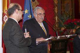 Imposición del distintivo 'Siglo de Oro' de Bulgaria a Pere A. Serra y Bernat Quetglas