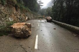 La carretera del Coll de Sóller seguirá cortada por el riesgo de desprendimientos