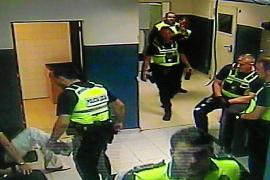 La Audiencia envía a prisión al policía de Palma que ocultó la patada a un detenido