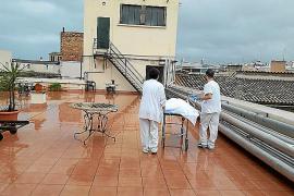 El ascensor del Hospital General se ha reparado tras la denuncia de traslado de pacientes por la terraza