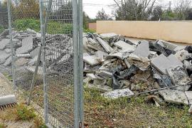 El PP denuncia que el Ajuntament de Bunyola vertió escombros en el polideportivo