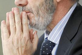 Los fiscales critican que Conde-Pumpido actúe como un «órgano consultivo» del Gobierno