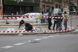 Empieza la instalación del mosaico de la Plaza de la Reina