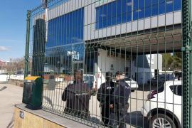 La Policía irrumpe en las oficinas de Roig para registrarlas