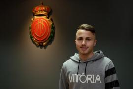 El Mallorca incorpora al extremo zurdo 'Angeliño' procedente del Manchester City