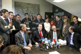 Los perjudicados por el caos aéreo pedirán 10.000 euros cada uno por daños morales