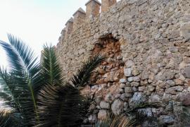 Una parte de la muralla de Sant Salvador de Artà se desmorona a causa del temporal