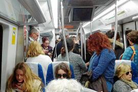 Tensión, aglomeraciones y despiste con los autocares en la huelga de trenes