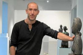 Antoni Miquel Morro traslada «el simbolismo poético de la mujer» a Es Polvorí