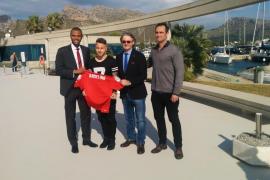 El Real Mallorca presenta a Angeliño