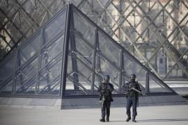 El autor del ataque en el Louvre sería un egipcio que llegó como turista en enero