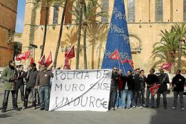 Cuarta protesta de los policías locales contra los recortes de sus salarios
