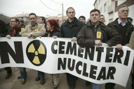 Unas mil personas dicen 'no' cementerio nuclear en Ascó