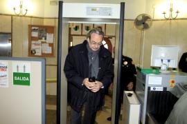 Martorell asegura que las subvenciones a medios pasaban antes por concurso público