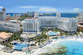 Caen un 20 % las reservas de americanos en hoteles baleares en México por Trump