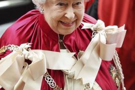 La reina Isabel II celebra 65 años en el trono británico