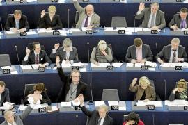 La Eurocámara se rebela contra la norma que discrimina al trabajador inmigrante