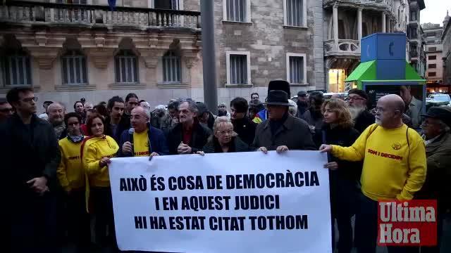 Concentración en Palma en apoyo de Mas, Ortega y Rigau