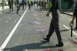 Decenas de muertos en un atentado suicida en Irán en la fiesta del Ashura