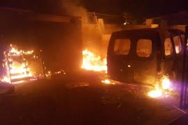 Un incendio destruye una furgoneta y provoca alarma en es Camp de Mar