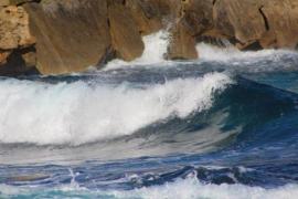 Mallorca y Menorca, en alerta naranja por fenómenos costeros
