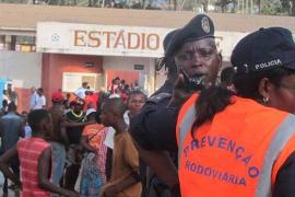 Al menos 17 muertos por una avalancha humana durante un partido de fútbol en Angola