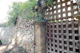 Desalojados los okupas de la casa que Feliciano Fuster dejó en herencia a Alcúdia