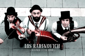 Los Rabinovich llenan el Teatre del Mar de swing balcánico y humor