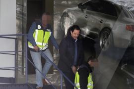 El fiscal acusa de tenencia de armas al yerno de la viuda del expresidente de la CAM