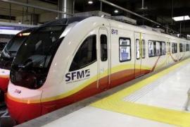 Trabajadores de SFM entregan una carta a Armengol para que «desbloquee» la situación del tren