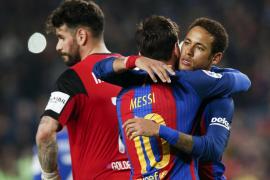 Messi, en el minuto 90, evita la tragedia del Barça