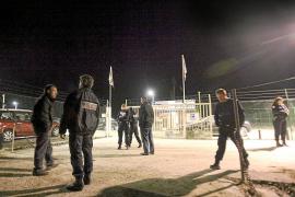 Tres etarras encapuchados y armados roban en Francia material para falsificar