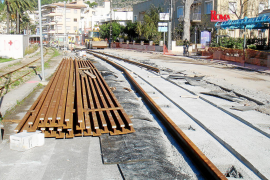 La empresa del tren reclamará a Costas los gastos del servicio alternativo al tranvía