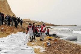 Naufragio frente a las costas de Libia