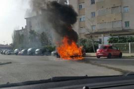 La Policía investiga el incendio de un coche en Son Oliva