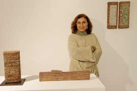 La «arquitectura urbana» inspira la nueva exposición de Margalida Escalas